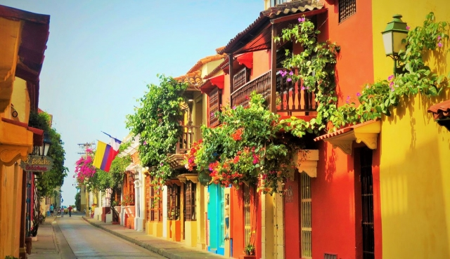 The oldest cities in Colombia. Travel magic and charm