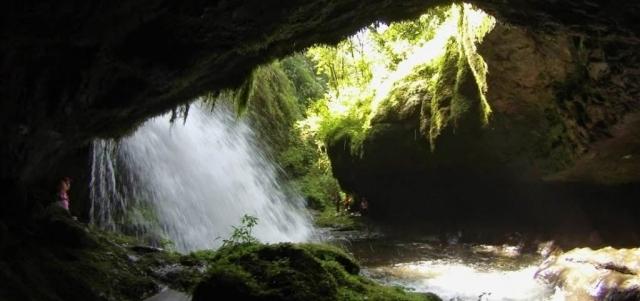 Cómo llegar al Salto del Ángel y a la Cueva de los Guacharos