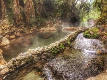 Relájate y disfruta con estas cinco aguas termales en Colombia
