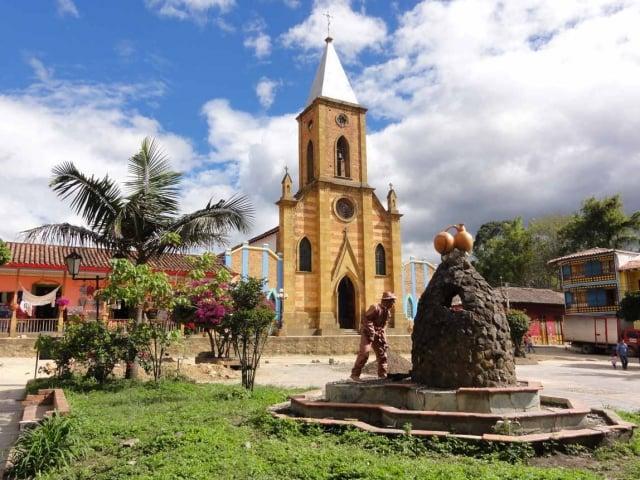 Cómo llegar a Raquirá, el pueblo de cerámica de Boyacá