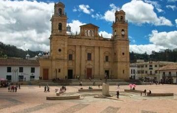 Cómo llegar a Chiquinquirá y qué hacer en la capital religiosa de Colombia