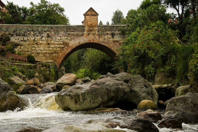 Puente de Calicanto en Monguí