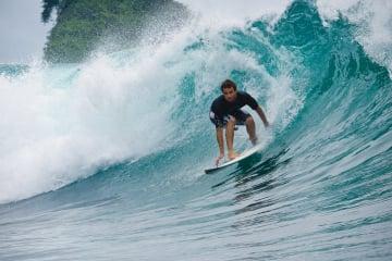 Mejores destinos y playas para practicar surf en Colombia