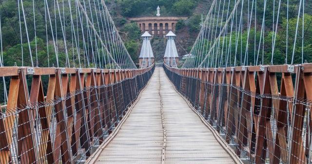 Monumentos Nacionales - Puente de Occidente