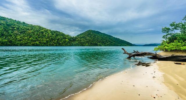 turismo ecológico en Colombia - Ensenada Utria
