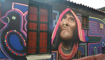 Graffiti experience tour in Bogota